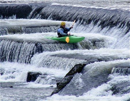 kayak descent of Lucan Weir
