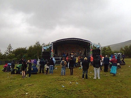 Knockan Stockan Music Festival wet crowd